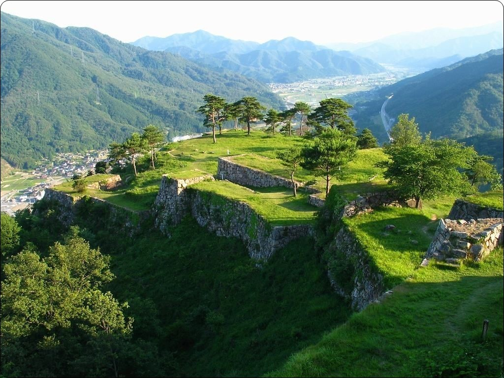 サントリーボスCM撮影地!天空の城、竹田城跡ってどこ?画像動画