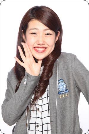 横澤夏子のでかい顔大きさは?子供時は3頭身?ものまねネタ動画も